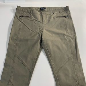 Joe & Elle | Olive Green Skinny 11 Pants
